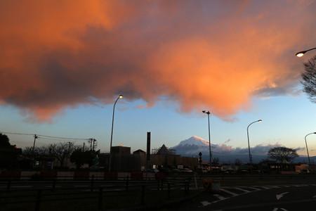 道の駅富士より3月15日朝の富士山