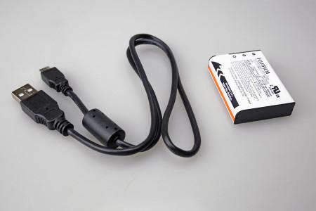 バッテリーと充電ケーブル