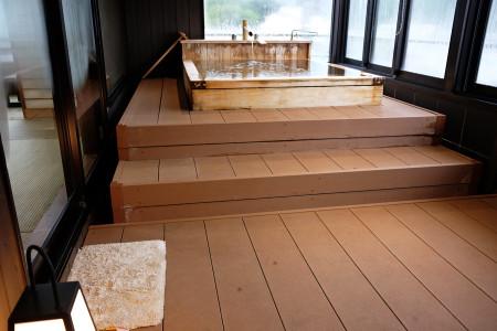 さわらの木の浴槽