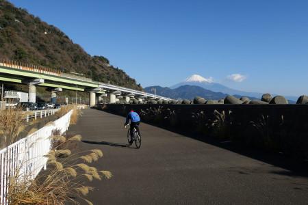 富士山とサイクリスト